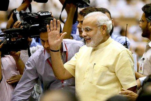 Indias-Narendra-Modi-invites-Pakistani-PM-Nawaz-Sharif