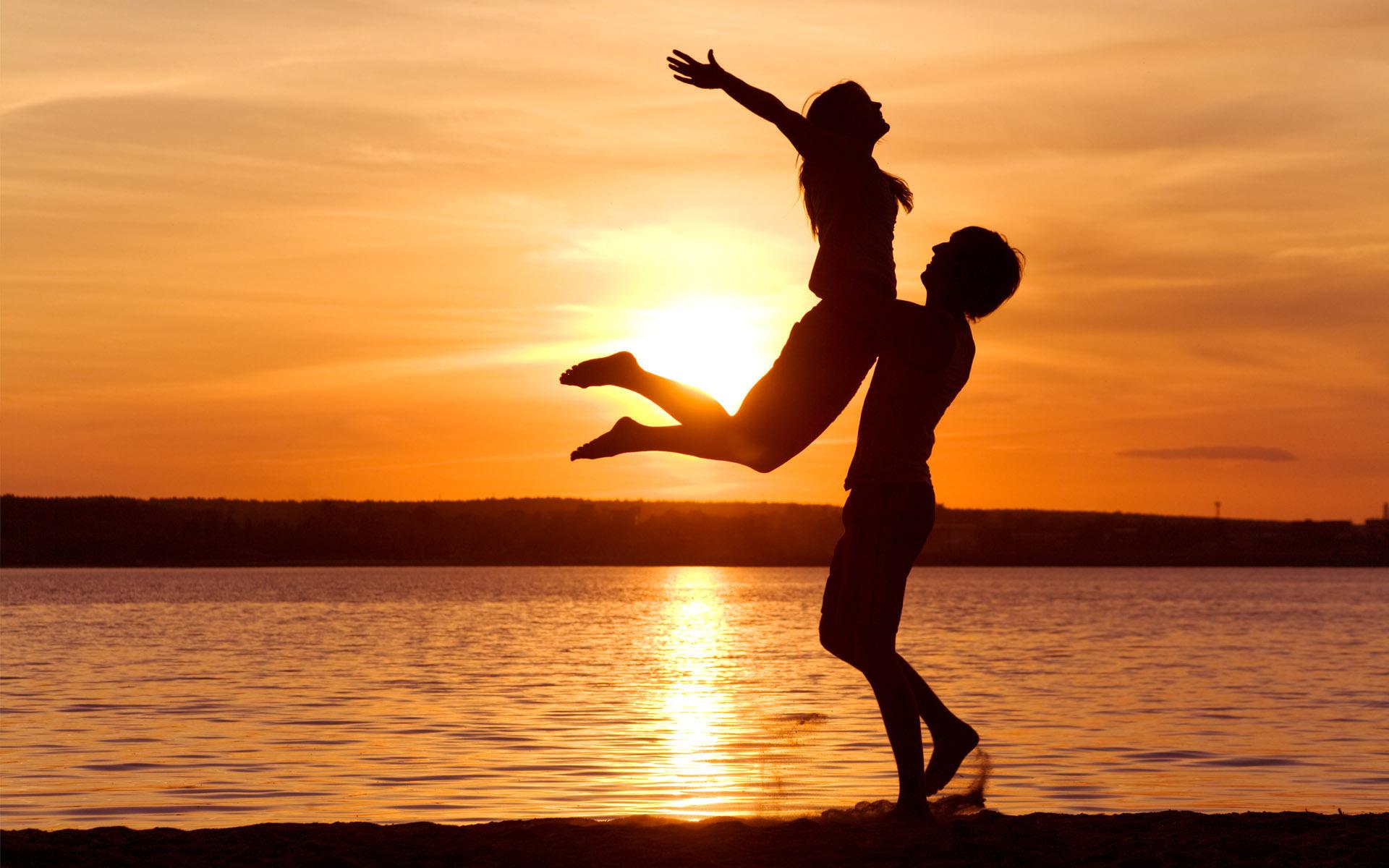 love-man-woman-silhouette-sun-sunset-sea-lake-beachother1_1
