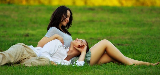 http://herintalk.com/wp-content/uploads/2014/05/tanda-pria-jatuh-cinta-pada-wanita.jpg