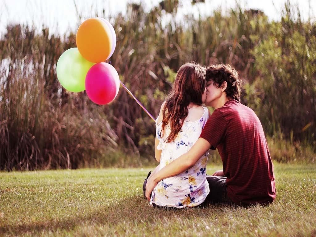 dating-ipad-wallpaper-feelings-balls-love12