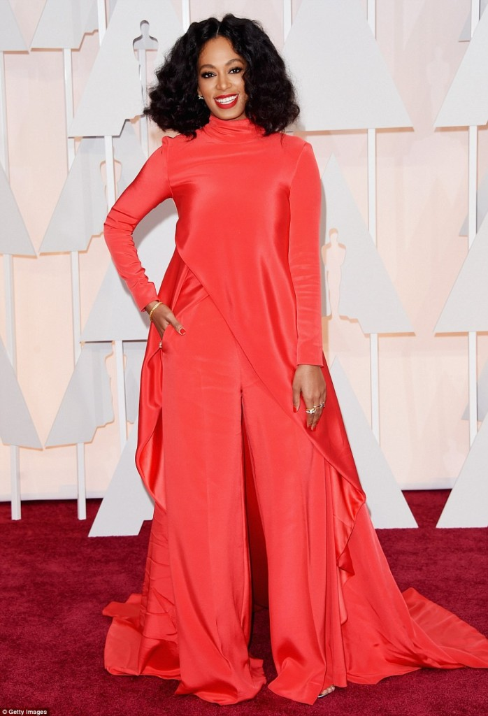 25F7E29800000578-2964465-The_usually_stylish_Solange_Knowles_turned_up_to_the_Oscars_wear-a-4_1424674282894